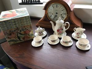 Beautiful Rose ceramic tea pot set for Sale in Wenatchee, WA
