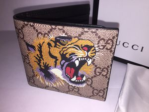 Gucci Supreme Tiger Brown Leather Wallet Authentic for Sale in Queens, NY