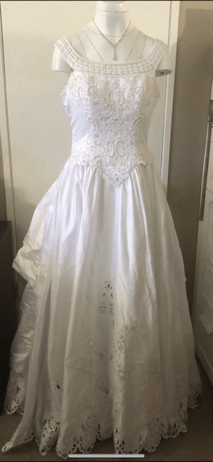 MARY'S BRIDAL WEDDING DRESS SIZE 12 for Sale in City of Industry, CA