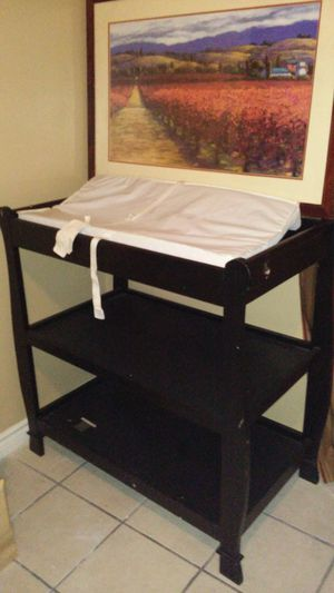 Changing table and crib for Sale in Las Vegas, NV