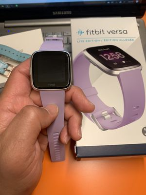 Fitbit Versa Lite Edition for Sale in Los Angeles, CA