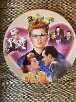 "The Hamilton Collection ""Lucy Meets the Stars"" plate collection individually numbered for Sale in Compton, CA"