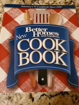 Rarely Used 12th Edition Better Homes and Gardens Cookbook with 5 Ring Binder. Over 500 Pages. Must Pick Up. Shipping Available. for Sale in El Paso, TX