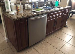 Kitchen cabinets and GRANITE countertop for sale for Sale in Miami, FL