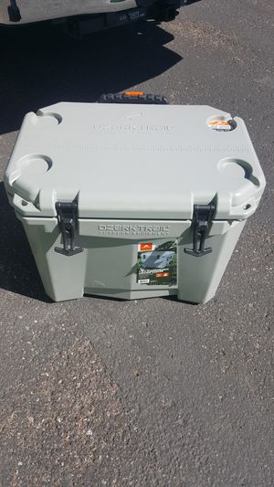 Ozark Trail 60qt Rolling / Wheeled Cooler for Sale in Chandler, AZ