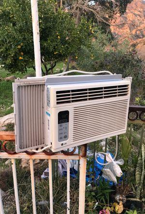LG Window AC Unit for Sale in Pasadena, CA