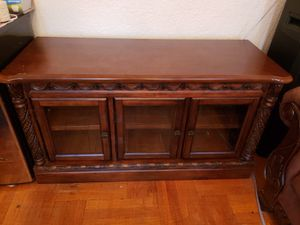 WOOD ENTERTAINMENT CURIO for Sale in Brooklyn, NY