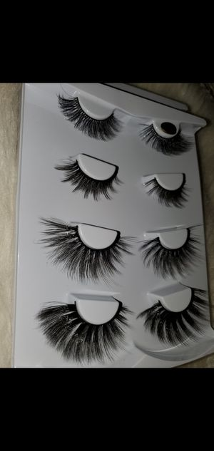 Lash book with 4 pairs of Quality Reusable 100% Mink 3D Lashes for Sale in Fresno, CA