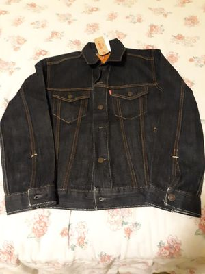 Men's jeans jacket Levi's strauss zise small for Sale in Seattle, WA