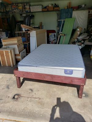Full bed with pedestal frame for Sale in Fresno, CA