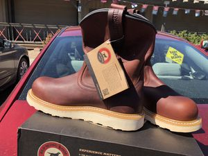 Red wing men's work boots size 10 for Sale in Tooele, UT