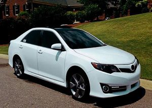 2012 Camry SE Price 12OO$ for Sale in Baltimore, MD