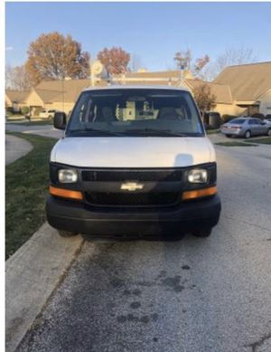 Cargo van Chevy express 2500 2005 for Sale in Columbus, OH