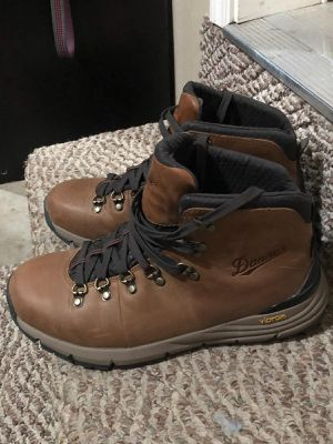 Danner men's hiking boots size 8 for Sale in Everett, WA