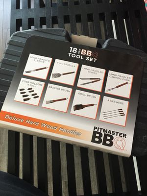 18 piece bbq tool set for Sale in Los Angeles, CA