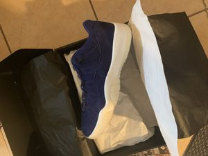 Air Jordan 11 Low RE2PECT Jeter size 9 or 9.5 for Sale in North Brunswick Township, NJ