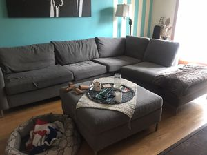 Sectional couch with chaise/ottoman for Sale in New York, NY