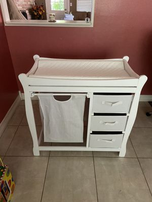 Changing table and kid toy for Sale in Houston, TX