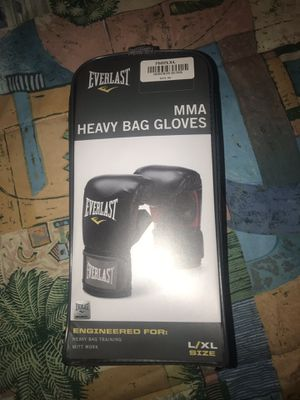 Everlast Boxing Gloves and Gold's Gym Jump Rope Cables for Sale in Crestview, FL