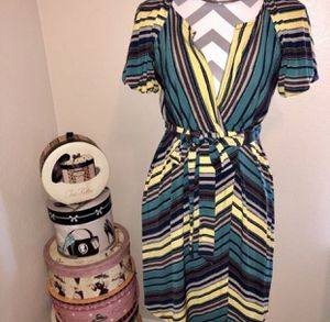 Max & Cleo Wrap Dress - Medium for Sale in Darien, IL