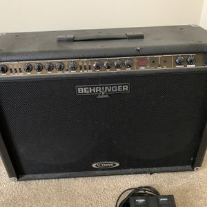 Behringer Dual Channel Multi-effects Amp With Foot switch for Sale in San Francisco, CA