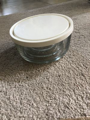 3 Pyrex glass bowls for Sale in Tampa, FL