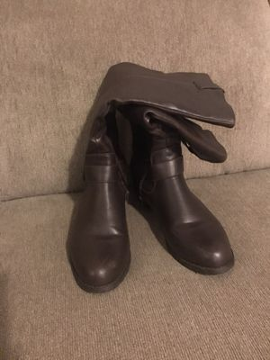 Brown boots for Sale in San Diego, CA