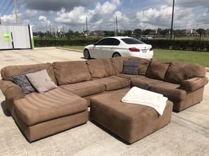 Sectional couch for Sale in Richmond, TX