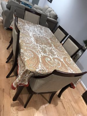 Breakfast table whit 2 chairs for Sale in Leesburg, VA