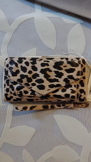 Brand New with Tags, leopard print clutch wallet wristlet! for Sale in North Las Vegas, NV