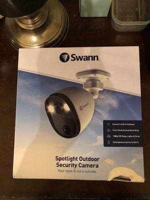 Swann spotlight outdoor security camera. 1080P. Wi-Fi. Smart for Sale in San Gabriel, CA