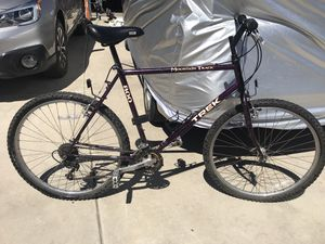 Trek 800 Mountain Bike 21inch. Made in Taiwan ! 21 speeds! Shimano brakes. Original Owners manual included. for Sale in Ramona, CA