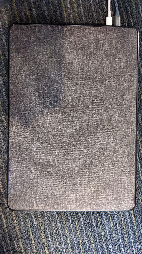 MacBook Pro 13inch Touchbar i5 256gigs w/ Case 10/10 Condition