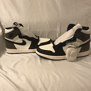 Air Jordan 1 Retro High OG Dark Mocha Size 10 for Sale in Las Vegas, NV