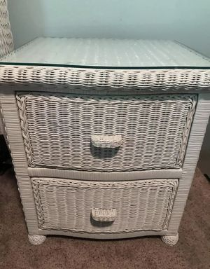 7pc. Queen White Wicker Bedroom Suite for Sale in Dublin, OH