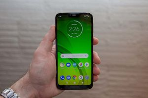 Moto G7 Power - MetroPCS - Excellent condition - 32GB w/ extras for Sale in Chicago, IL