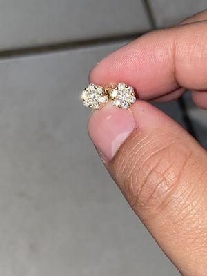 Cluster Diamond Earrings (VS-SI G-H) 14K Screwback for Sale in Miami, FL