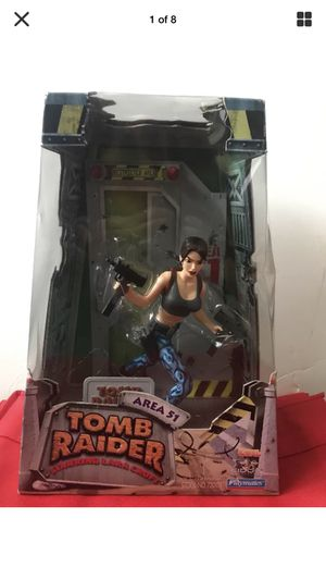 Collectible LARA CROFT Action Figure. Area 51!(Playmates) for Sale in Saint Petersburg, FL