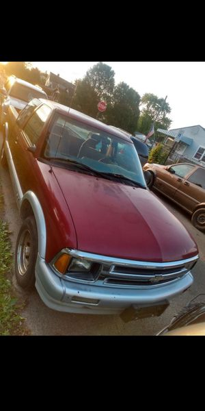 96 Chevy S10 for Sale in Columbus, OH