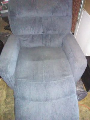 Nice clean blue recliner for Sale in Conneaut, OH