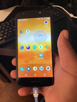 andriod motorola phone for Sale in Cleveland, OH
