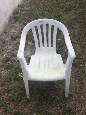 White chairs for Sale in Kissimmee, FL