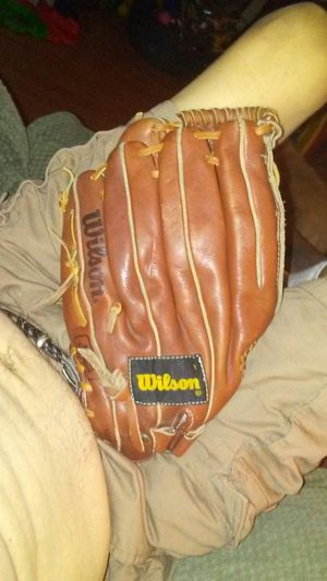 Wilson glove. A2124 for Sale in Las Vegas, NV
