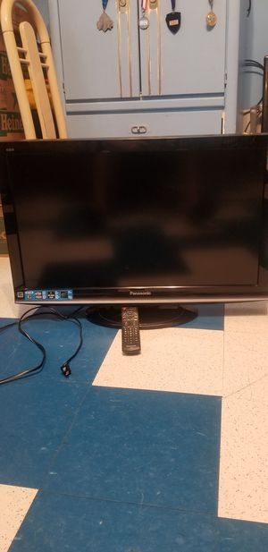 "32"" Panasonic tv for Sale in Queens, NY"
