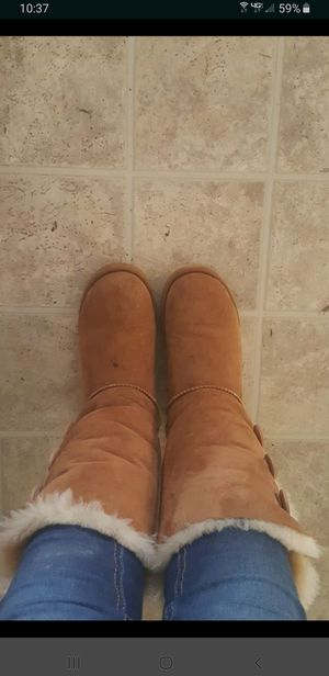 Uggs size 7 for Sale in Shelbyville, TN