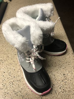 Little girl child snow boots. Size 10 for Sale in Arlington, TX