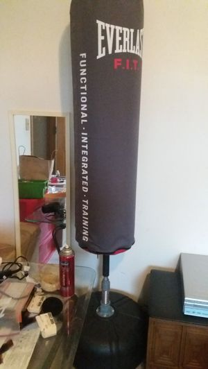 Everlast F.I.T freestanding punching bag *Like new* for Sale in Clackamas, OR