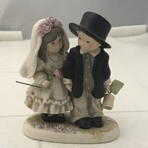 Wedding cake topper couple bride and groom Promise of Love, for Sale in Phoenix, AZ