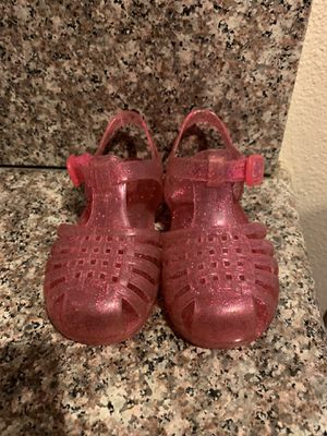 Size 6 toddler pink jelly sandal shoes for Sale in Pico Rivera, CA