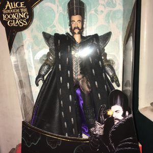 """Disney Alice Through The Looking Glass 11.5"""" Deluxe Father Time Collector Doll for Sale in Queen Creek, AZ"""